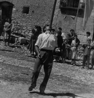 Le foto di Terranera - Battista e lo stendardo.